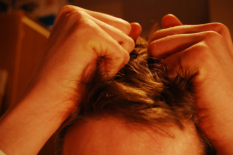 800px-hair_pulling_stress