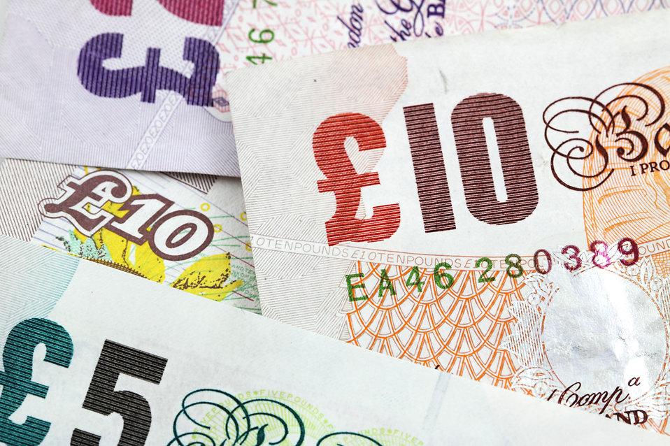 9267-several-british-bank-notes-pv - Copy